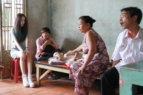 angela phuong trinh vuot nui tham tre khuyet tat - 17