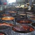 Mua sắm - Giá cả - Đột nhập xưởng 'dầu ăn cống rãnh' rúng động Đài Loan