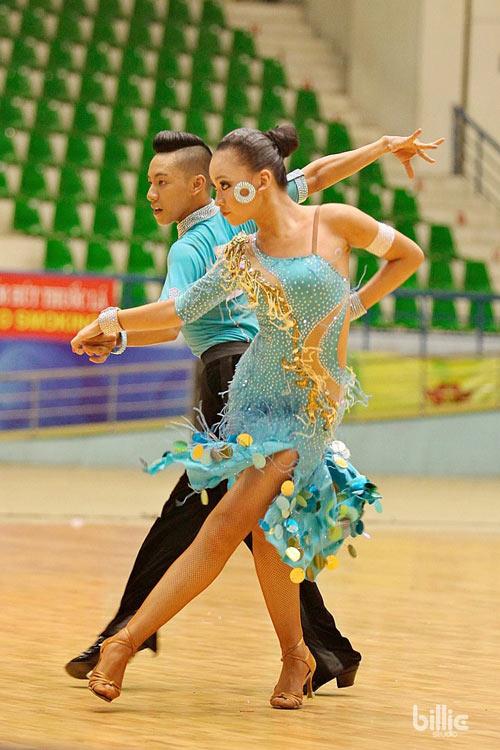 """hot girl dancesport 15 tuoi tiet lo bi quyet """"an diem"""" - 1"""