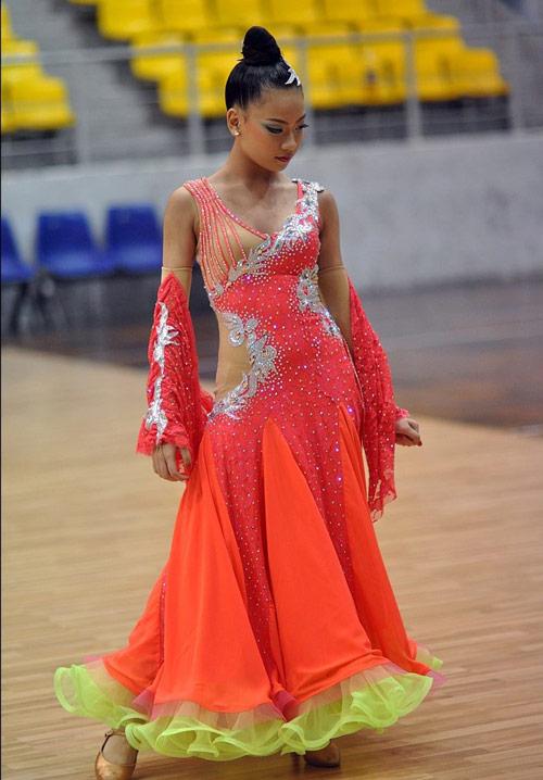 """hot girl dancesport 15 tuoi tiet lo bi quyet """"an diem"""" - 2"""