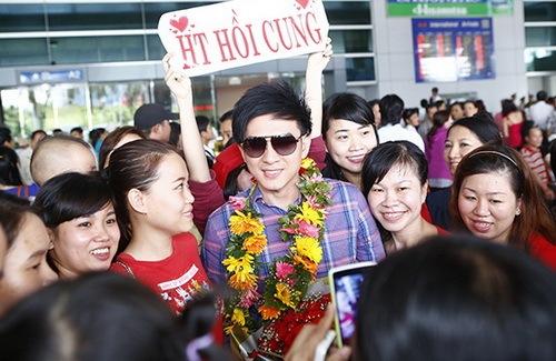 "dan truong gay ""bao"" ngoai san bay nhu sao han - 12"