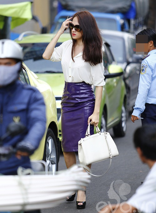 """huong giang idol tu tay lai xe """"binh dan"""" di gap ban be - 5"""