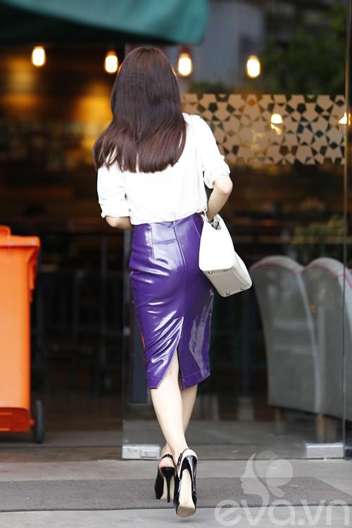 """huong giang idol tu tay lai xe """"binh dan"""" di gap ban be - 7"""