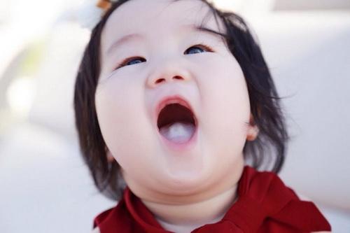 "con gai truong minh cuong ngay cang ""lai nhat"" - 12"