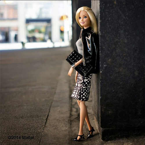 bup be barbie xung xinh vay ao du tuan le thoi trang - 1