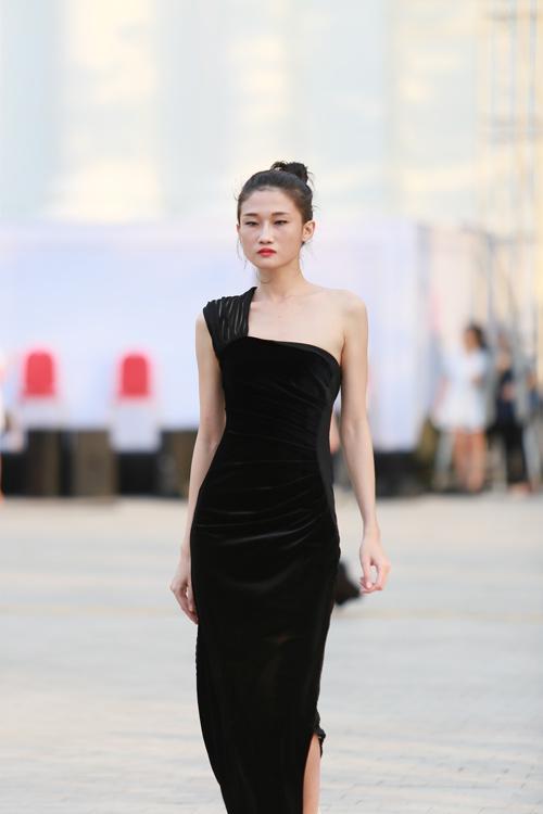 chan dai miet mai tap luyen cho dep fashion runway 3 - 1