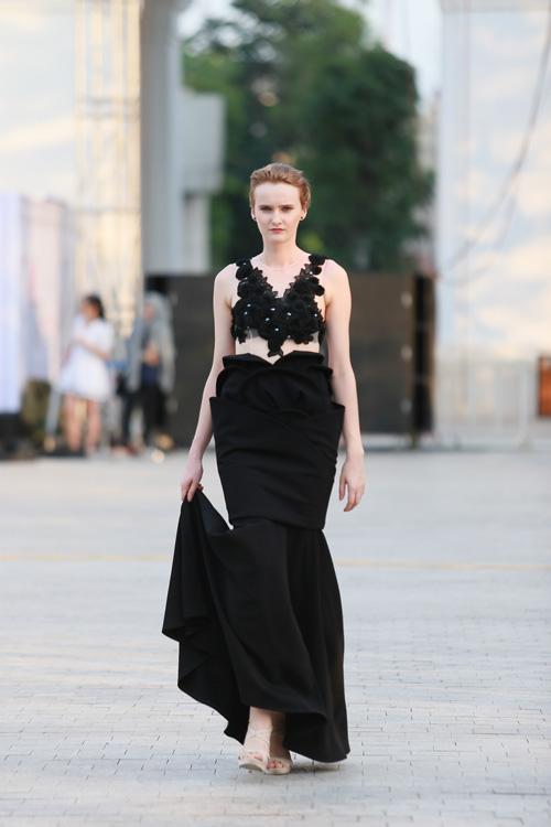 chan dai miet mai tap luyen cho dep fashion runway 3 - 4
