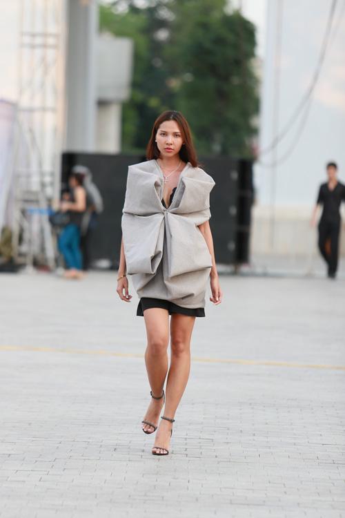 chan dai miet mai tap luyen cho dep fashion runway 3 - 17