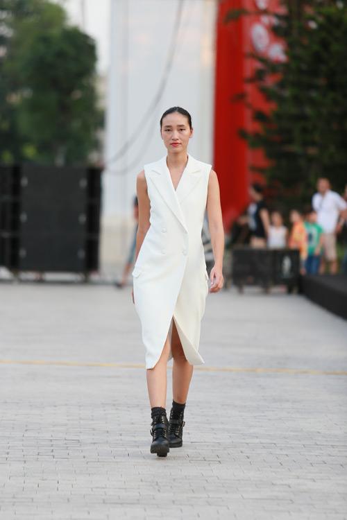 chan dai miet mai tap luyen cho dep fashion runway 3 - 8