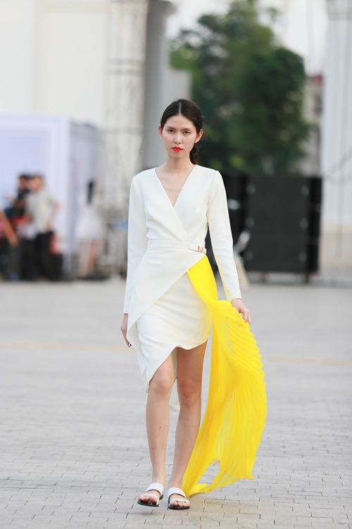 chan dai miet mai tap luyen cho dep fashion runway 3 - 12