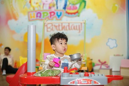 "le phuong khen con trai ""rat gau"" - 13"