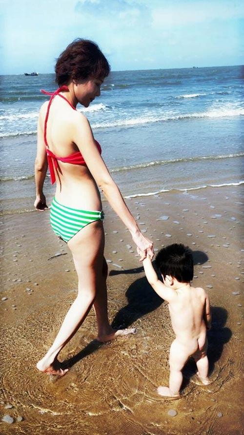 duong yen ngoc dien bikini khoe dang chuan gai hai con - 6