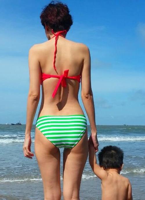 duong yen ngoc dien bikini khoe dang chuan gai hai con - 8