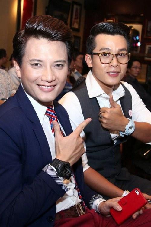 "chi pu ""giau nhem"" vong 1 ben canh kha ngan - 15"