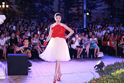 dep fashion runway 3: dep khong can chuan muc - 1