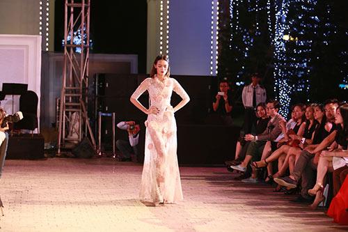 dep fashion runway 3: dep khong can chuan muc - 15