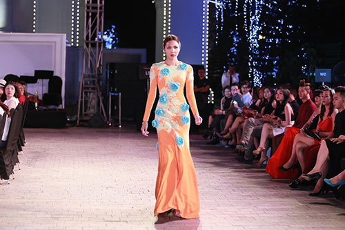 dep fashion runway 3: dep khong can chuan muc - 17