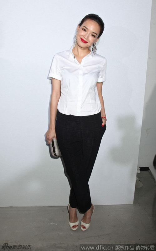 thu ky gian di tai new york fashion week - 2