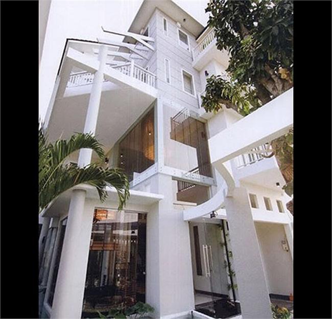 Căn nhà này được Hồ Ngọc Hà xây dựng vào năm 2006.