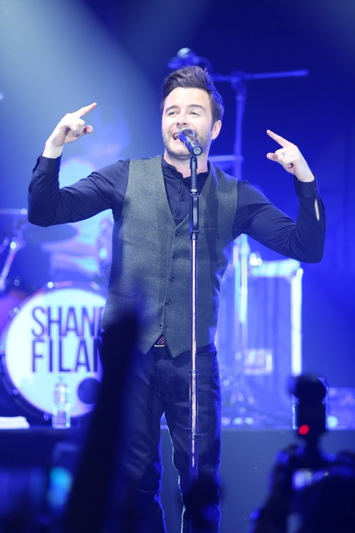 shane filan than thien khien fan nu khoc nuc no - 7
