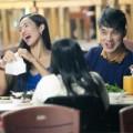 Làng sao - Ưng Hoàng Phúc và vợ sắp cưới rủ nhau đi ăn khuya