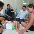 Tin tức - Bé Kim Ngân nhận ân nhân cứu mạng làm cha mẹ nuôi