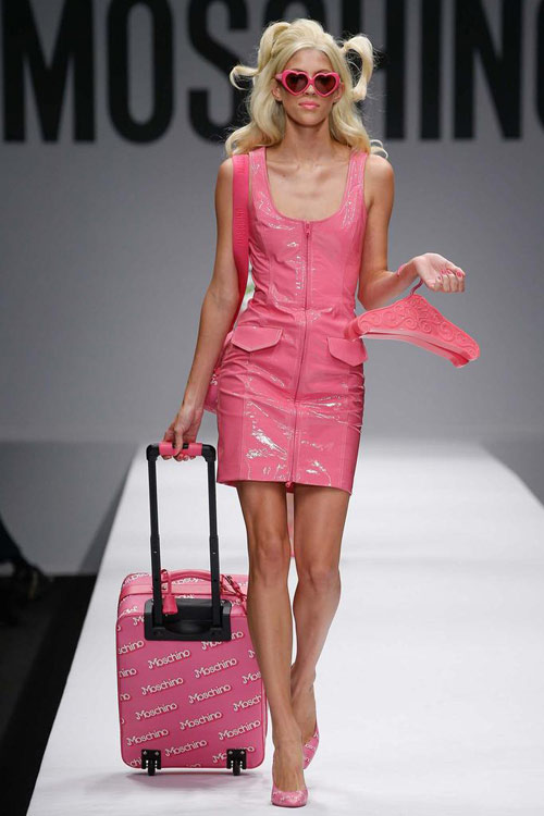 "bup be barbie ""do bo"" san dien cua moschino - 5"