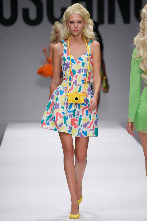 "bup be barbie ""do bo"" san dien cua moschino - 7"