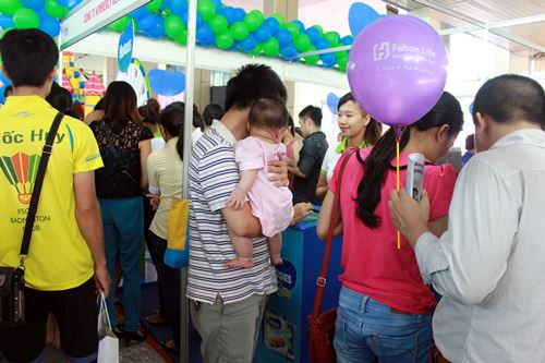 "hoi cho bau 2014: ba bau ""ngheo"" lai to - 2"