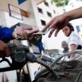 Mua sắm - Giá cả - Kêu khó với nghị định xăng dầu mới