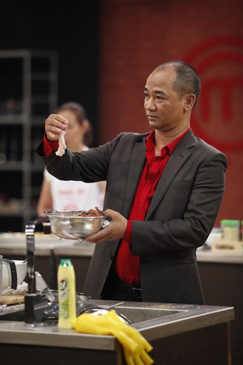 masterchef: bi loai chi vi dung khong het nguyen lieu - 9
