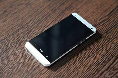 5 smartphone tam trung gia tot sap ban tai vn - 2