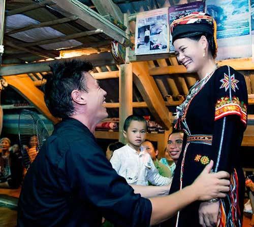chuyen tinh an tuong cua chang tay va co gai dao - 3
