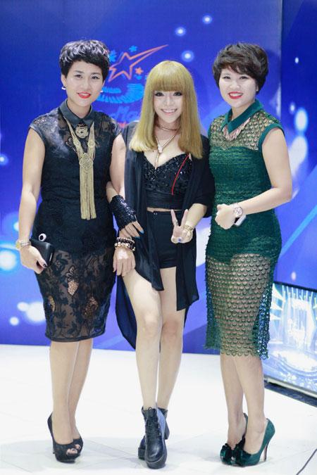 minh chuyen: 'toi rua mat bang nuoc muoi sinh ly' - 11