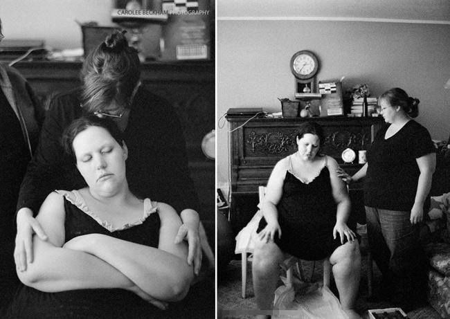 Chia sẻ về bộ ảnh này, nhiếp ảnh gia Carolee Beckham nói: 'Tôi rất khâm phục bà mẹ nặng trên 100kg này vì đã quyết định đẻ thường đón đứa con thứ 2. Đặc biệt là cô ấy lại đẻ thường tại nhà. May mắn là ca sinh nở đã thành công trọn vẹn.'
