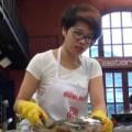 """Bếp Eva - Khánh Phương bị gọi là """"đao phủ"""" vì giết ba ba"""