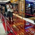 Tin tức - TQ: Đại gia dùng 600 kg vàng làm thảm lót đường
