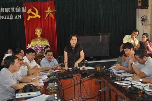 'bi an' chuyen 49 hoc sinh 1 nam khong den truong - 2