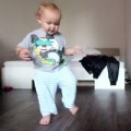 Clip Eva - Em bé dễ thương bắt chước điệu nhảy của bố