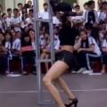 Tin tức - Sau sự cố 'múa cột', TP.HCM chấn chỉnh lễ hội trong trường học