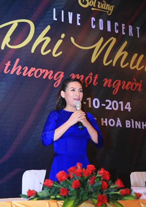 phi nhung lam liveshow ky niem 20 nam ca hat - 4