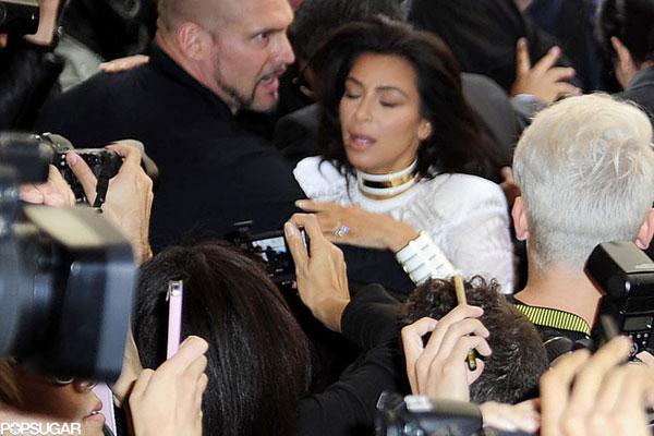 kim kardashian bi sam so tai tuan le thoi trang paris - 6
