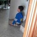 Tin tức - TQ: Bắt học sinh tiểu học quỳ gối trước lớp vì phạm lỗi