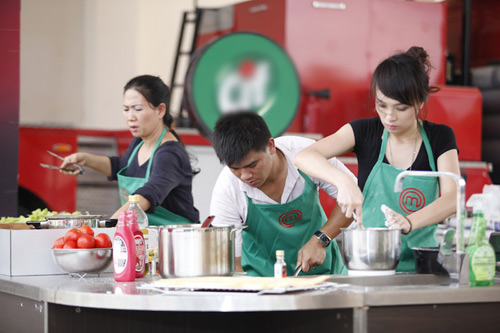 "khanh phuong ""cuop"" het ga cua doi xanh - 5"