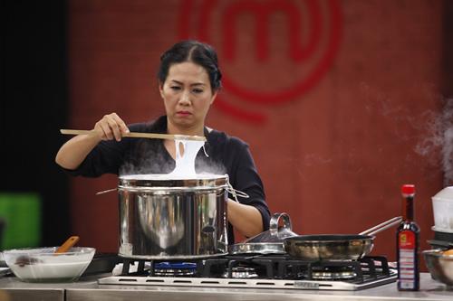 "khanh phuong ""cuop"" het ga cua doi xanh - 12"