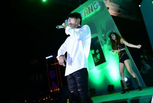 """son tung m-tp bui bam """"me hoac"""" fan da nang - 4"""