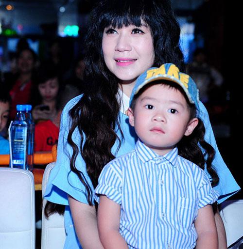 minh ha bau 7 thang sanh dieu di ung ho chong - 8