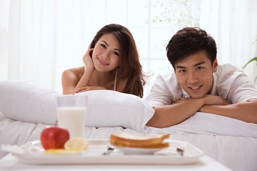 hanh phuc cua co gai lay chong han - 1
