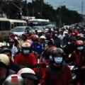 """Tin tức - Mưa lớn, người Sài Gòn """"dậm chân tại chỗ"""" vì kẹt xe"""