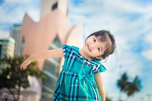 """""""Chao đảo"""" với bộ ảnh mới của thiên thần nhí 4 tuổi Sài Gòn-2"""